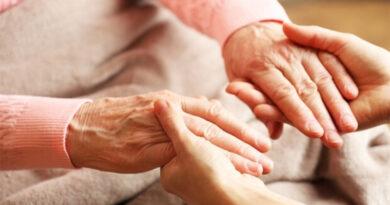Vila Verde recebe selo de mérito por projeto de cuidadores informais
